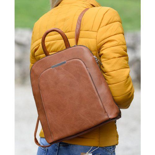 Egyszínű barna hátizsák