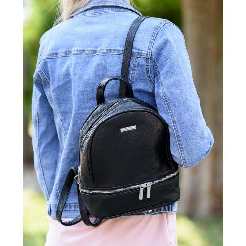 Elöl zipzáras fekete női hátizsák