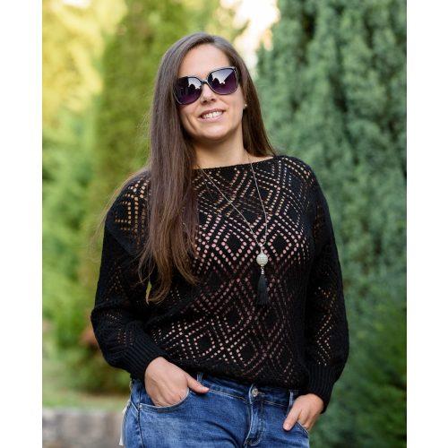 Kötött fekete pulóver nyaklánccal (M-XL)