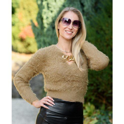 Szőrös barna pulóver lánccal (S-M)