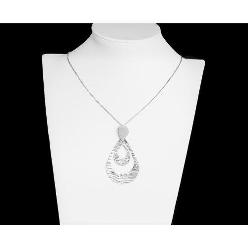 Vékony ezüst nyaklánc csepp medálokkal