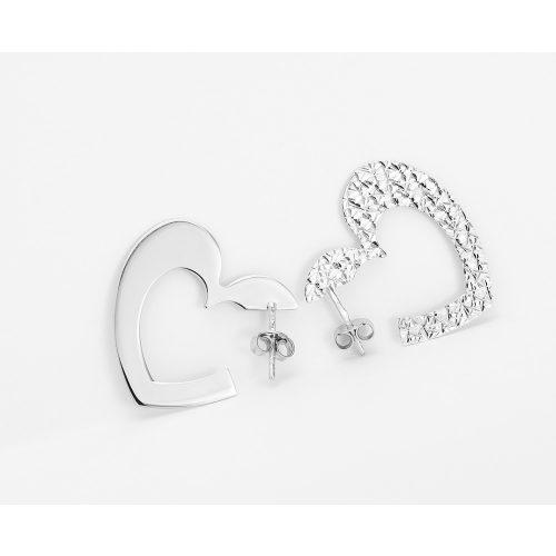 Szívecskés mintás ezüst fülbevaló